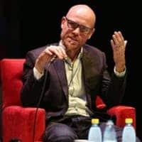 Martin hilbert ผู้สอนคอร์ส Big data